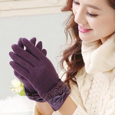 Hand gloves as fashion accessories
