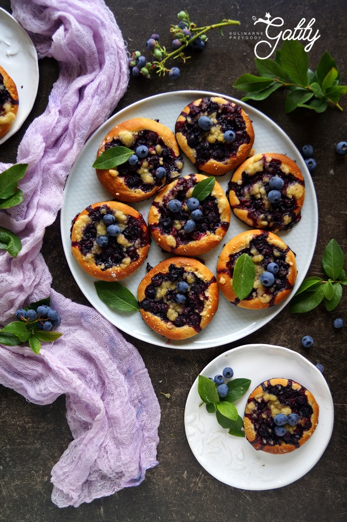 slodkie-ciasta-z-owocami