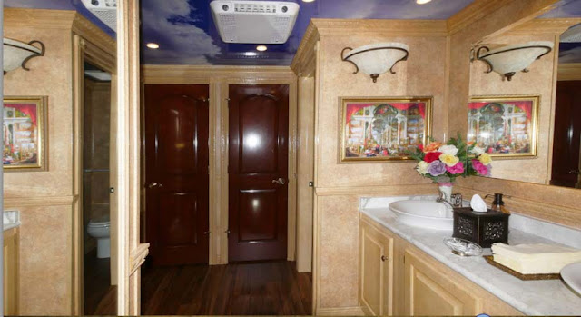 Versailles Luxurious Bathroom Trailer