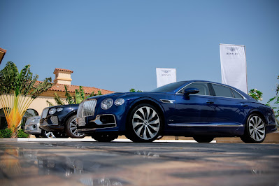 """بنتلي السعودية تنظم تجارب قيادة لسيارات بنتلي """"فلاينج سبير"""" و """"بنتايجا"""""""