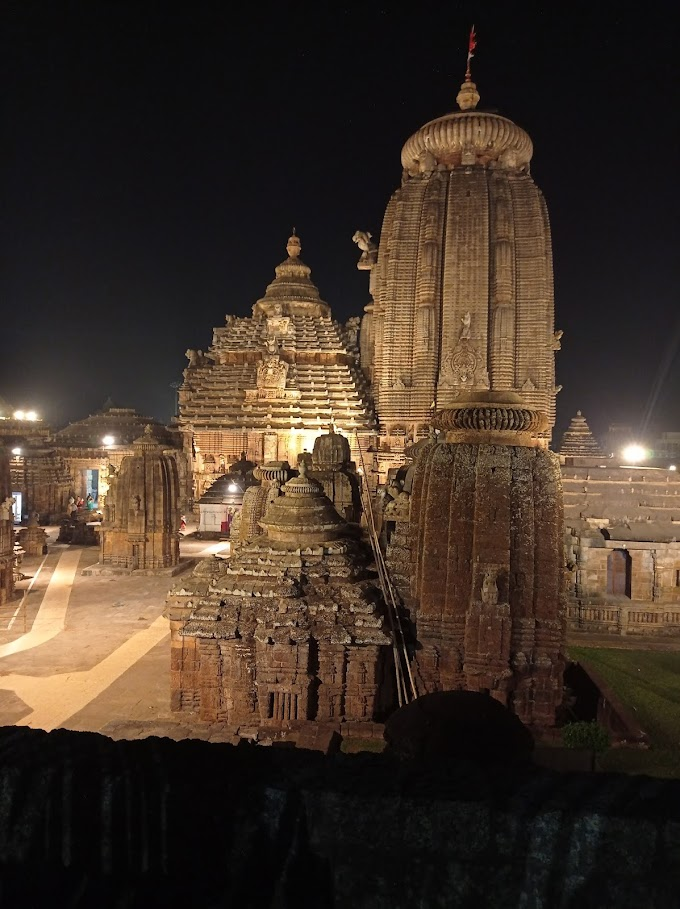 TOP MAJESTIC MOUNTAINS AND LANDSCAPE IN  BHUBANESWAR WHICH ARE IN THE LIST OF MONUMENTS OF INDIA