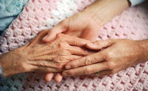 Ζητείται γυναίκα για φύλαξη ηλικιωμένης