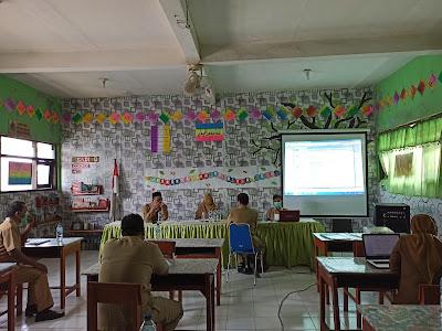 pembinaan calon sekolah adiwiyata provinsi oleh dinas lingkungan hidup kabupaten Gresik