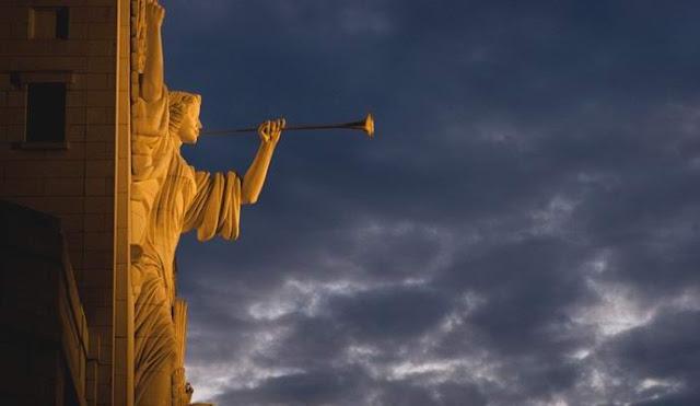 Зловещие трубные звуки послышались теперь с неба в Англии