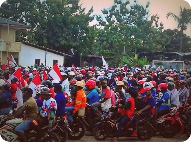 Karyawan PT Freeport Indonesia Konvoi May Day di Kota Timika