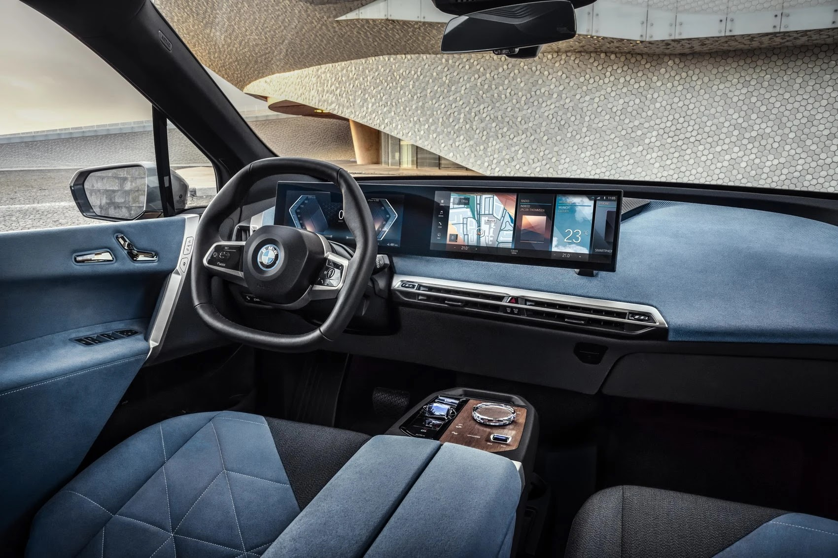 BMW iX is the first luxury car with 5G connectivity
