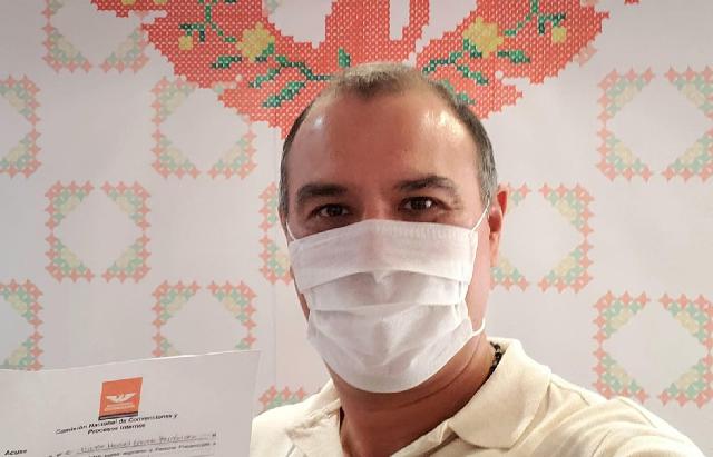 Víctor Cervera Hernández registra su precandidatura a la alcaldía de Mérida por MC