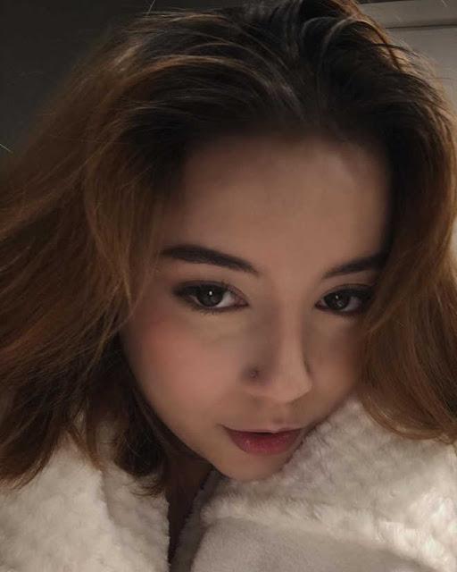Thiên thần mới của hội con lai Việt: Sở hữu đôi mắt siêu đẹp, chỉ cao 1m58 nhưng chấp hết các thể loại lookbook