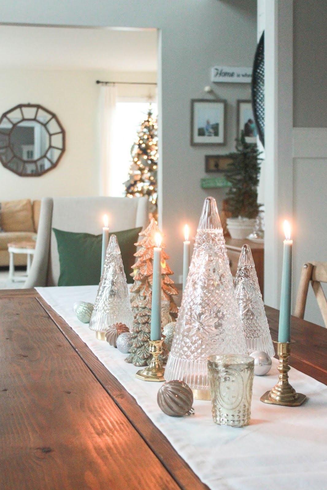 green and neutral christmas decor ideas