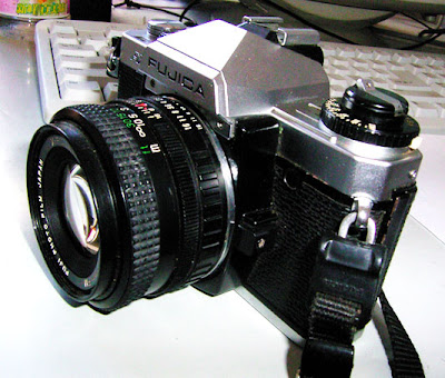Fujica AX-1 tampak kiri
