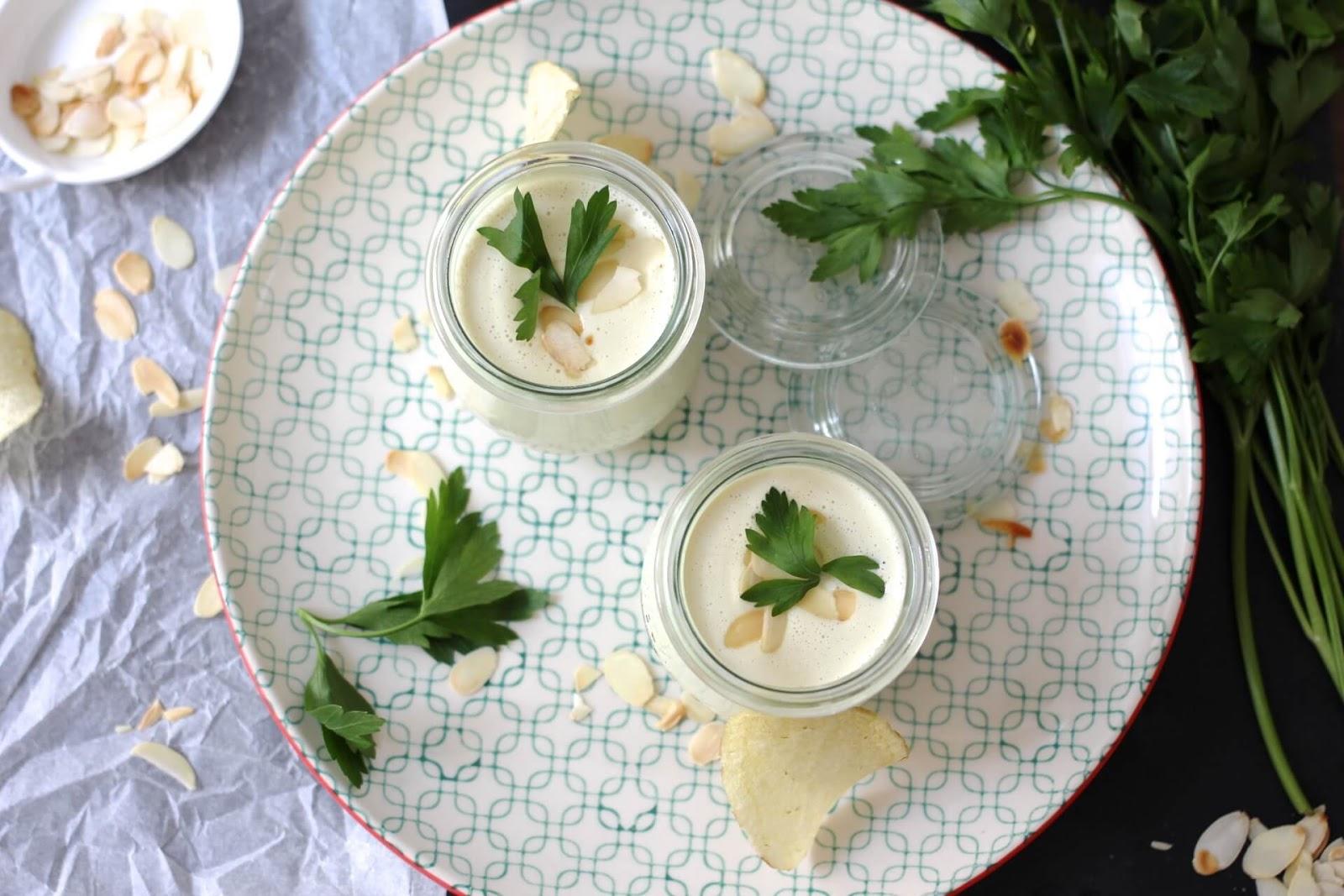 Kalte Knoblauch Mandel Suppe