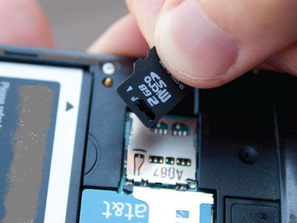 Setiap ponsel android maupun smartphone lainnya tentu disisipi memori eksternal Cara Atasi MicroSd Error Tidak Bisa Diformat
