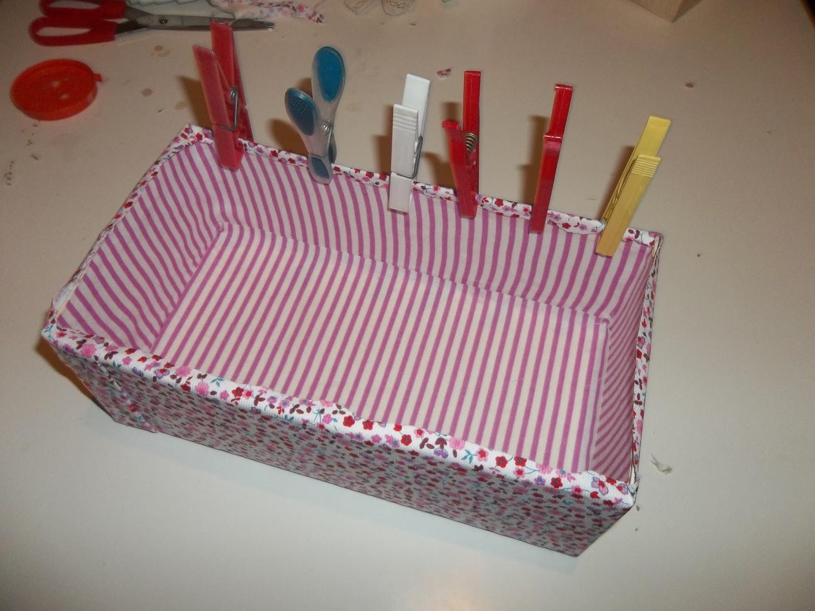 Ben noto La Cicogna Creativa: Tutorial: scatola rivestita di stoffa PA59