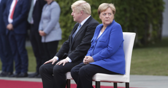 Oι Άγγλοι φεύγουν, η ΕΕ τρίζει, το Βερολίνο ανησυχεί