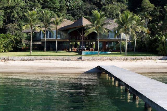Biệt thự biển ở góc nhìn ban đầu