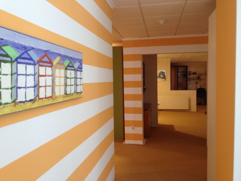 recikla arte pared pintada a rayas horizontales