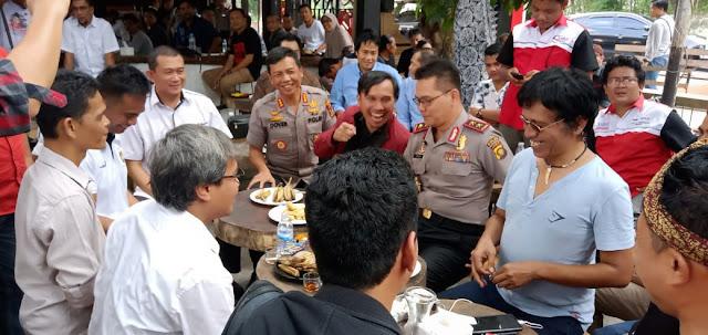 Kegiatan Silaturahmi Dan Diskusi Bersama Alumni Pena 98 Dan Mahasiswa Turut Dihadiri Oleh Kapolda Jambi