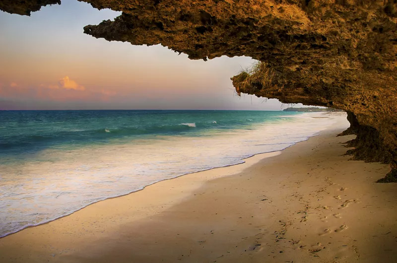 10 Stunning White Sand Beaches Around the World