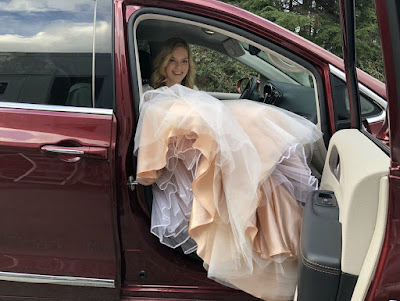 Cindy Busby coming out of the car in the tv series