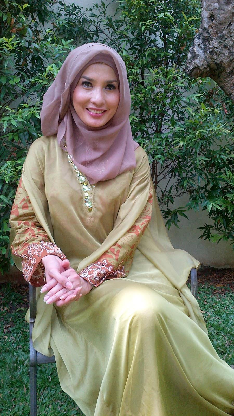 wallpaper HD muslimah cantik hijab jilbab susun indah dan seksi manis