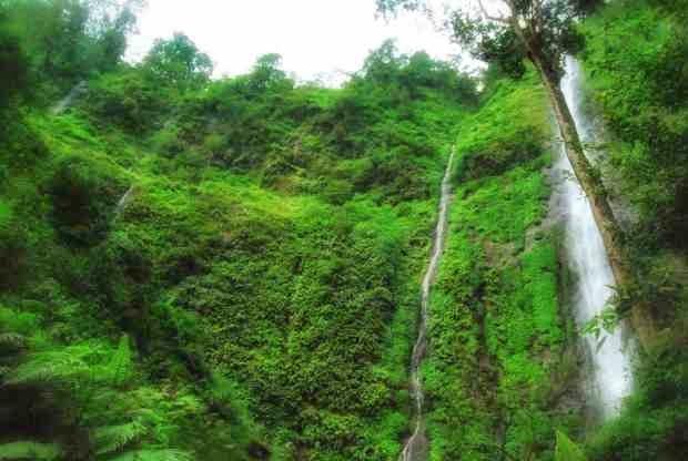 Air terjun trestes - tempat wisata di jombang yang alami dan segar