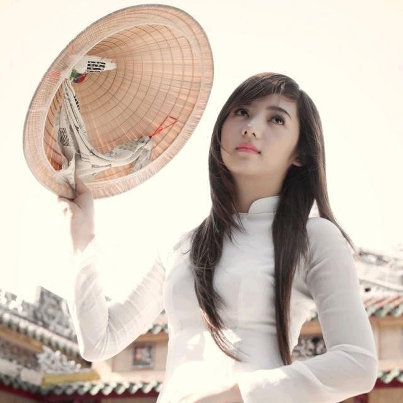 Most Vietnamese lovely girls in Ao dai