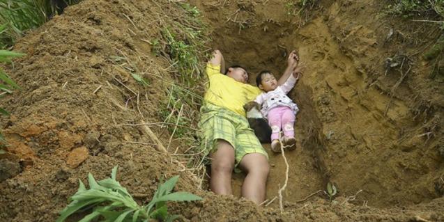 Tiap Hari Ayah Ajak Putrinya Tidur di Liang Lahat, Alasannya..