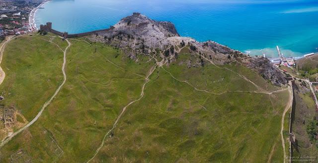 Судакская крепость, Крым. Вид с квадрокоптера. Высота 150 метров.
