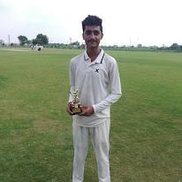 जय डागर को सर्वश्रेष्ठ गेंदबजी का पुरस्कार दिया गया