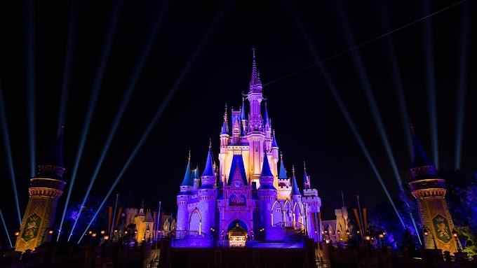 Las acciones de Disney se rebajan a medida que la compañía comienza la 'parte difícil' de cumplir con los objetivos de los suscriptores