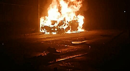 Osorno: Choque y posterior incendio de automóvil en Rahue