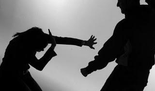 Մարտակերտում ամուսինը ծեծել է կնոջն ու կոտրել քիթը. վերջինիս տրվել է դատաբժշկի ուղեգիր