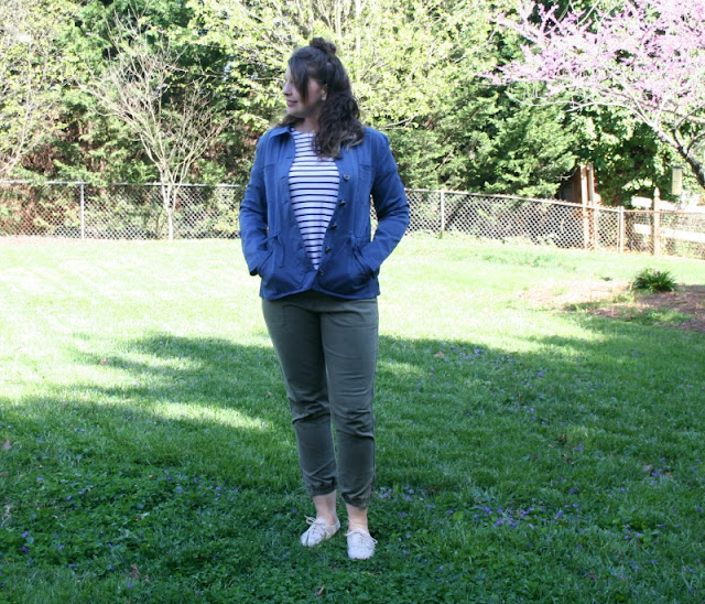 I am joining some of my fellow Aventura Ambassadors to share how we style a utility jacket during this transitional season.