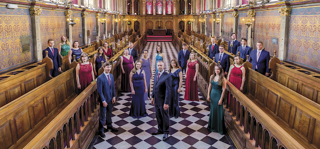 Rupert Gough and the Choir of Royal Holloway (Photo Christopher Willoughby)