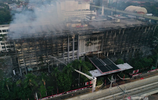 Ditetapkan Jadi Tersangka Kebakaran, Pejabat Kejagung Tidak Dibui