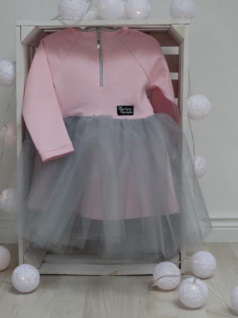 sukienka z tiulowym dołem 3