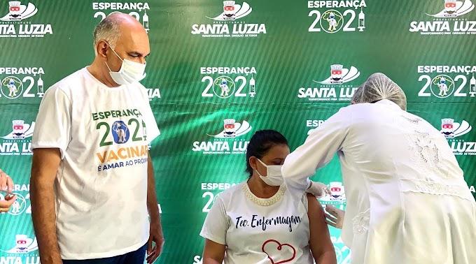 Santa Luzia inicia processo de vacinação contra COVID-19