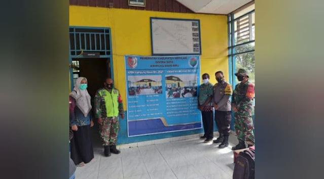 TNI-Polri Kawal Penyaluran BLT di Distrik Sota