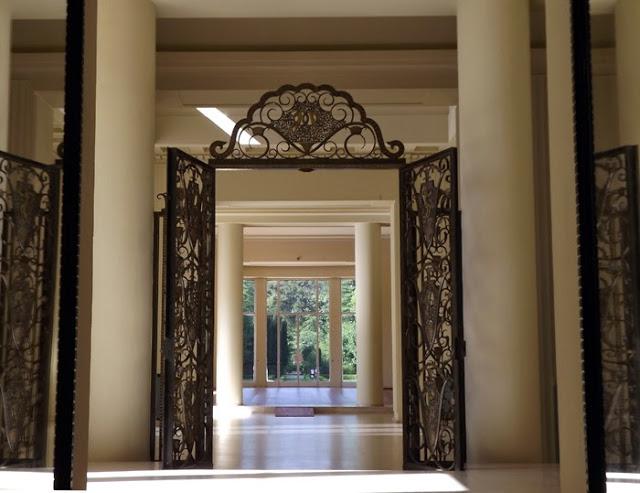 Porta da Casa de Serralvs no Porto