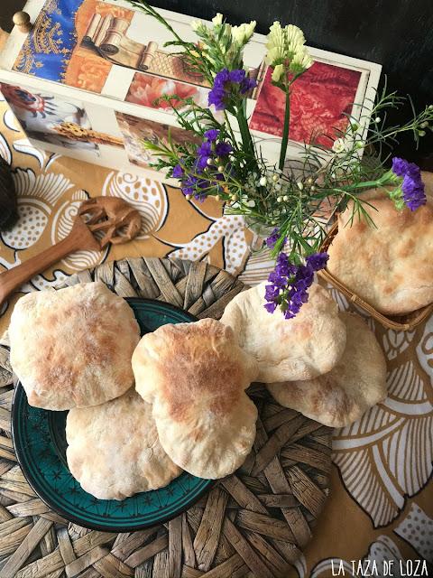 Panes-de-pita-para-rellenar-o-acompañar-cualquier-plato-árabe