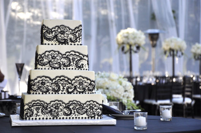 And My Favorite Combination Black Lace Over A White Cake So Dramatic Images Sources First Second Third