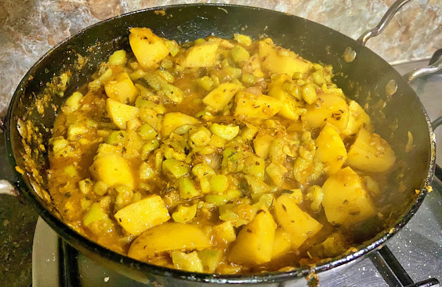 How to cook tasty Ram Tori (Torai, Ridge Gourd) ki Sabzi?