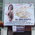 Biển chào mừng SEA Games dưới tấm bảng hiệu sexy của CLB dành cho người lớn