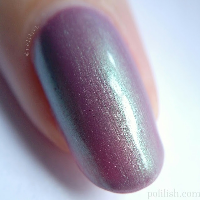 Femme Fatale Cosmetics 'Tiger Lily' macro swatch, three coats with top coat