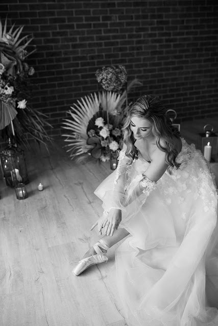 jennifer burch photography central coast weddings nsw bridal gowns floral design pinic setup cake