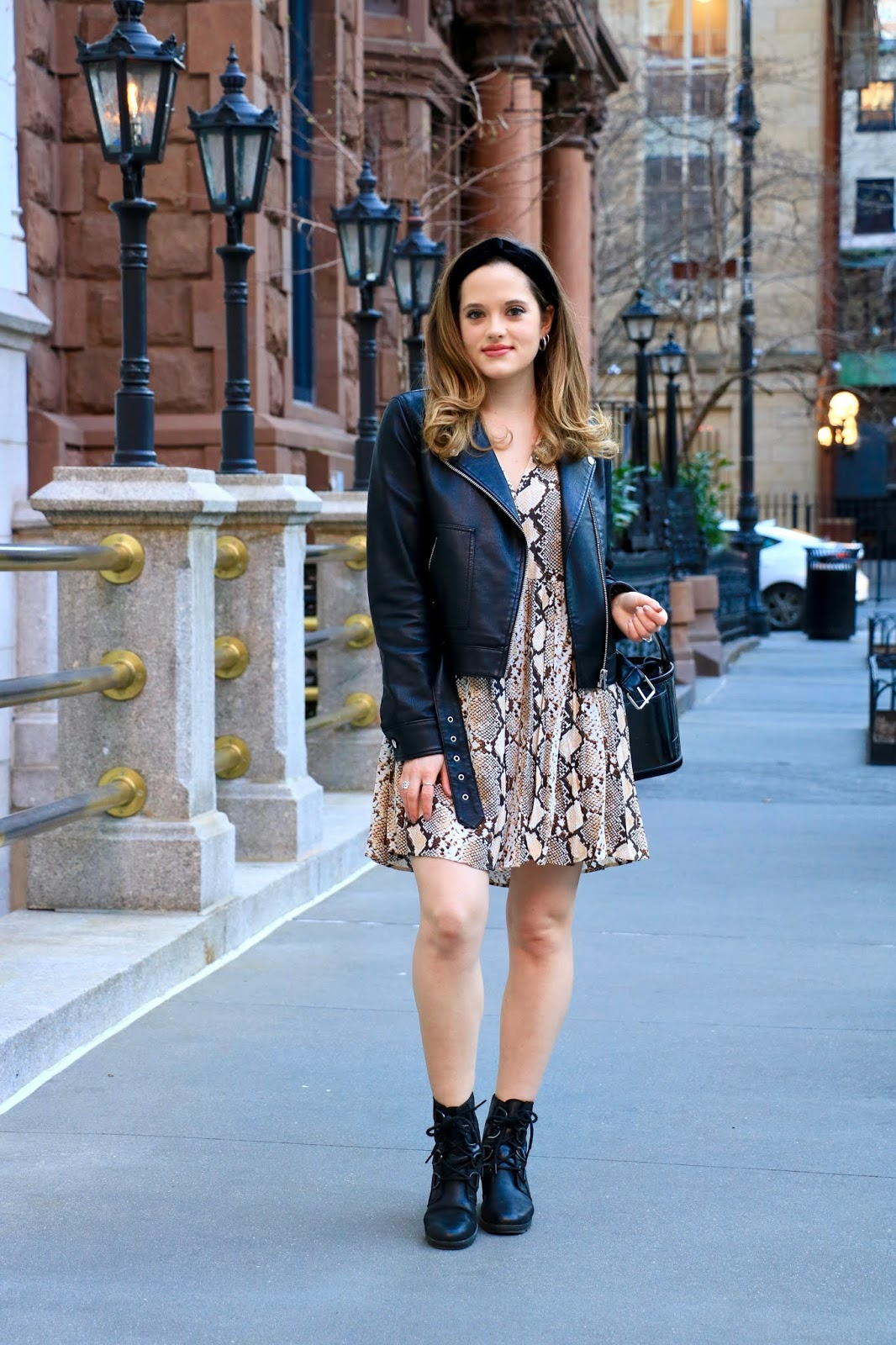 Nyc fashion blogger Kathleen Harper wearing 2020 spring fashion trends.