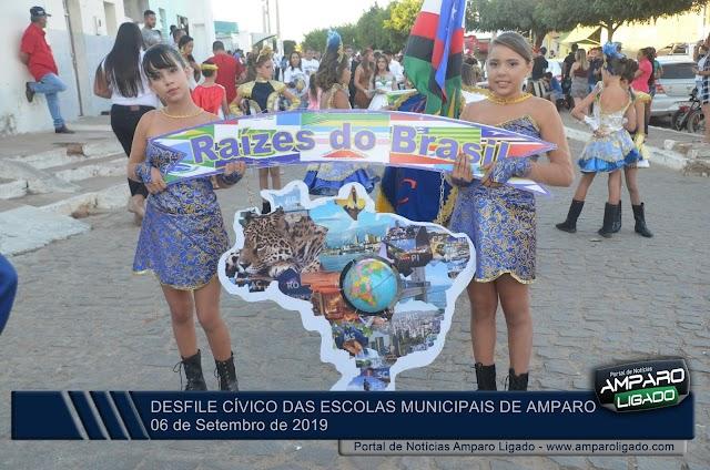 Confira as Imagens do Desfile Cívico das Escolas da Rede Municipal de Ensino de Amparo