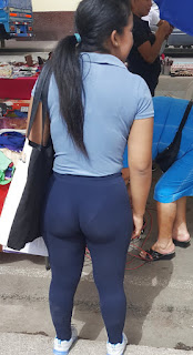 Bonita mujer nalgas grandes calzas