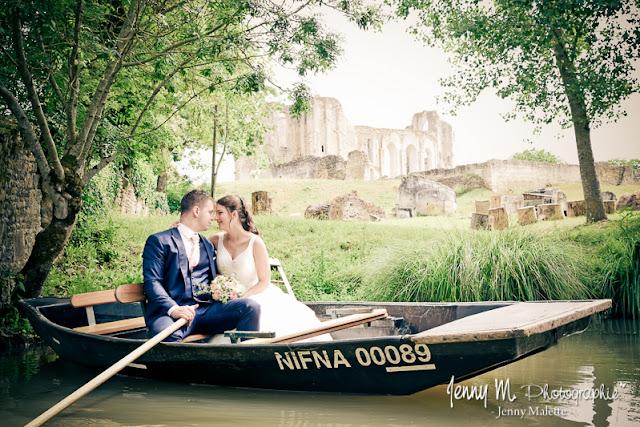 portrait couple mariage dans marais poitevin, venise verte, abbaye de maillezais