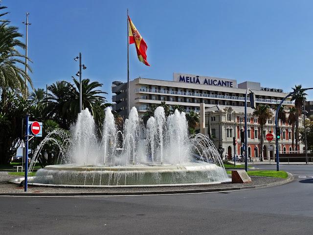 centrum miasta Alicante, fontanna, Melia Alicante
